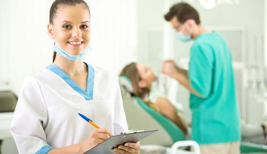 インプラント治療で重要な歯科衛生士の役割とは?