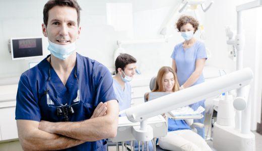 安心のインプラント治療は「認定専門医」がいる医院で