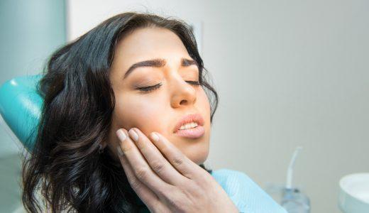 インプラント治療前に歯周病治療を行う必要がある理由とは?